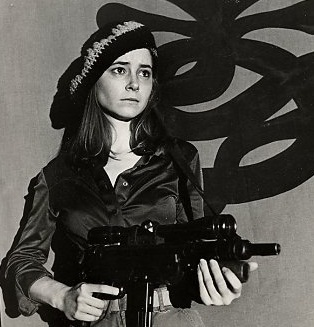 patty hearst stockholm syndrome But hearst's defence lawyer bailey claimed that the 19-year-old had been brainwashed and was suffering from stockholm syndrome - a term that had been recently coined to explain the apparently irrational feelings of some captives for their captors.