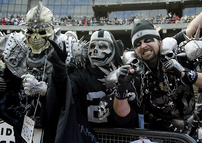 crazy-raiders-fans-21662-hd-wallpapers